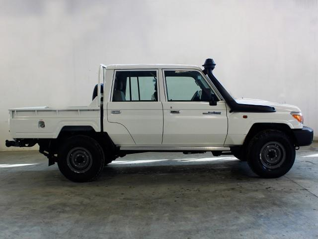 Toyota Land Cruiser GRJ79 pick-up double cab - facelift